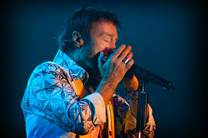 Rock Meets Classic 2013-Paul Rodgers 01